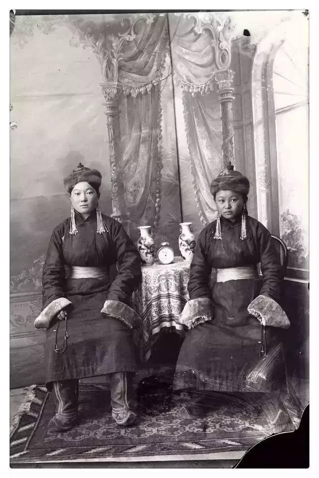 100年前的蒙古贵族老照片 第6张