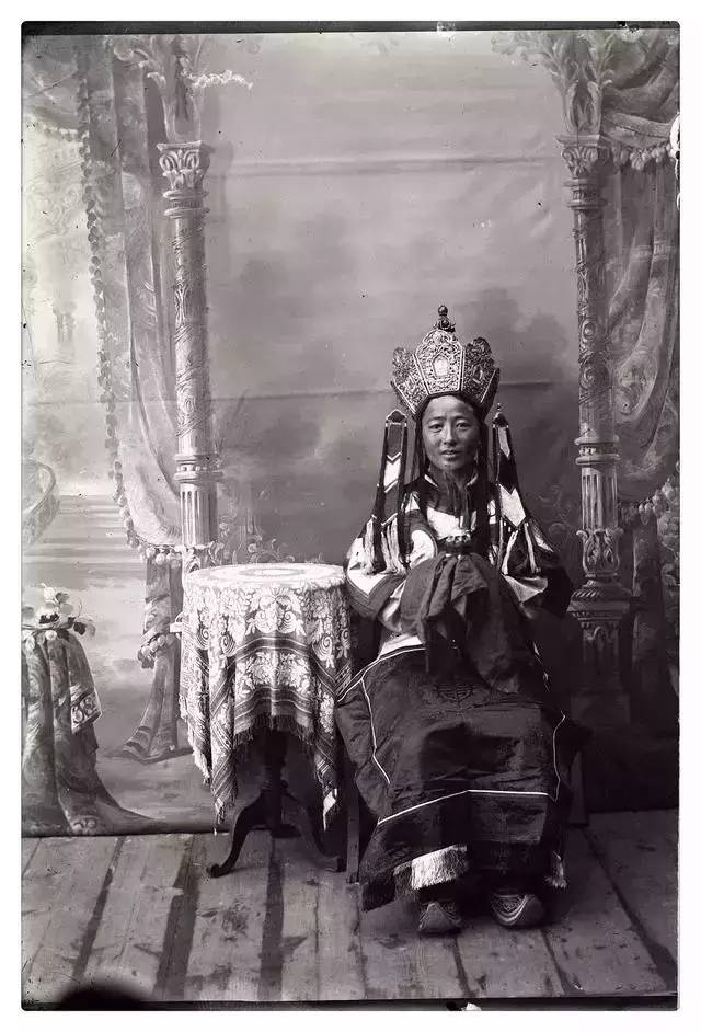 100年前的蒙古贵族老照片 第11张