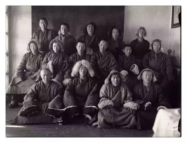 100年前的蒙古贵族老照片 第17张