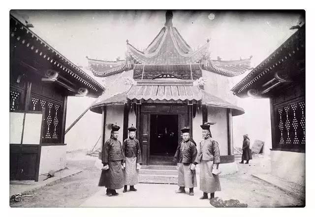 100年前的蒙古贵族老照片 第19张