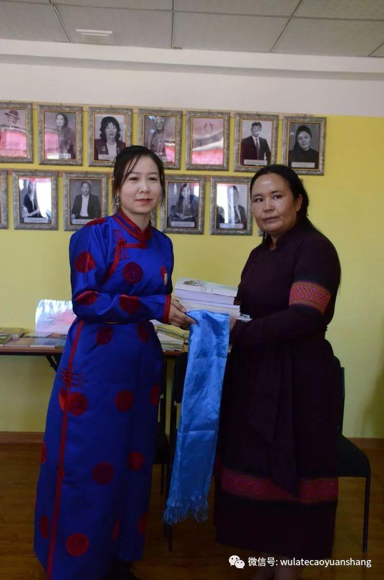 中蒙书法交流在蒙古国南戈壁省进行 第7张