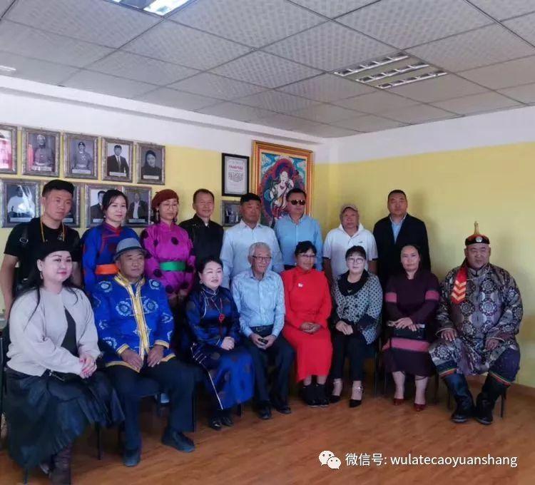 中蒙书法交流在蒙古国南戈壁省进行 第14张