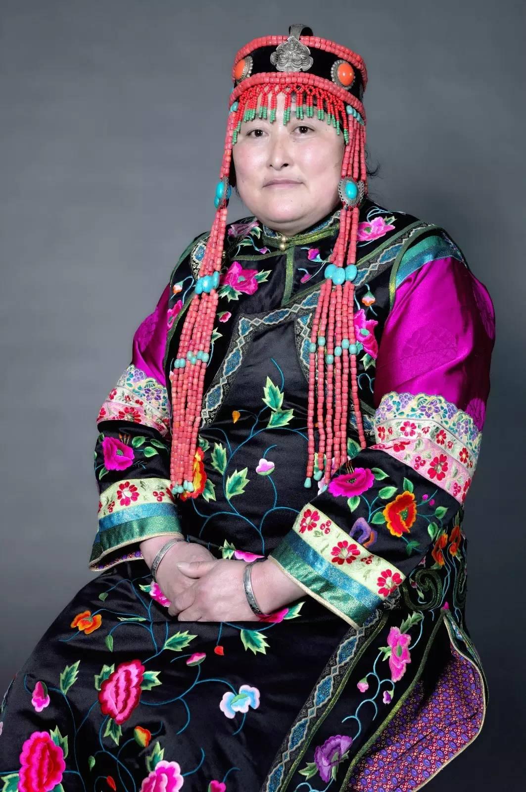 蒙古族刺绣非遗传承人——萨义玛 第1张 蒙古族刺绣非遗传承人——萨义玛 蒙古工艺