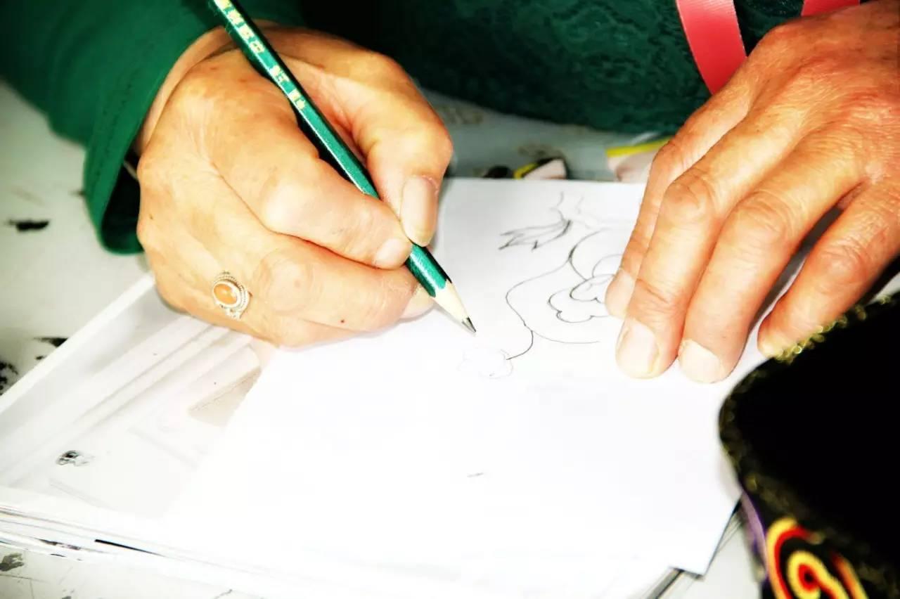 蒙古族刺绣非遗传承人——萨义玛 第4张 蒙古族刺绣非遗传承人——萨义玛 蒙古工艺