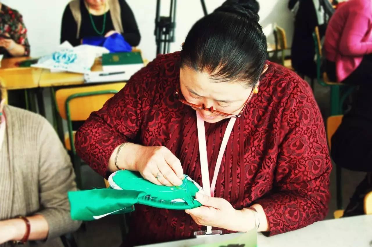 蒙古族刺绣非遗传承人——萨义玛 第6张 蒙古族刺绣非遗传承人——萨义玛 蒙古工艺