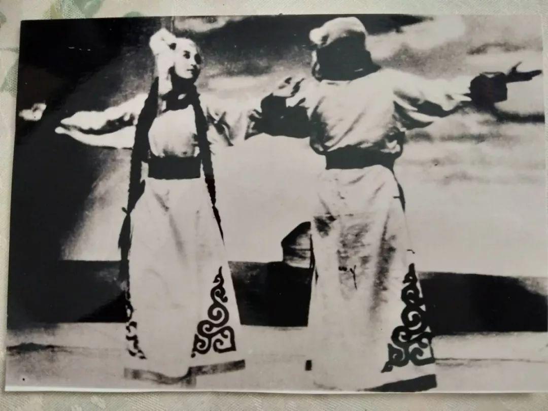 内蒙古舞蹈名家系列之——斯琴塔日哈 第3张