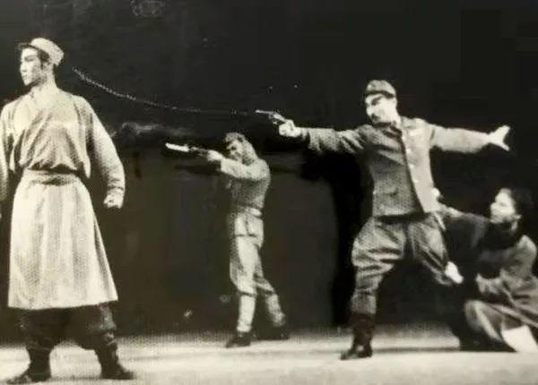 内蒙古舞蹈名家系列之——查干朝鲁 第7张 内蒙古舞蹈名家系列之——查干朝鲁 蒙古文化