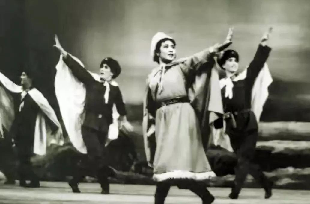 内蒙古舞蹈名家系列之——查干朝鲁 第9张 内蒙古舞蹈名家系列之——查干朝鲁 蒙古文化