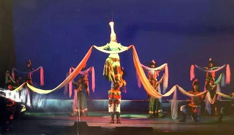 内蒙古舞蹈名家系列之——查干朝鲁 第12张 内蒙古舞蹈名家系列之——查干朝鲁 蒙古文化