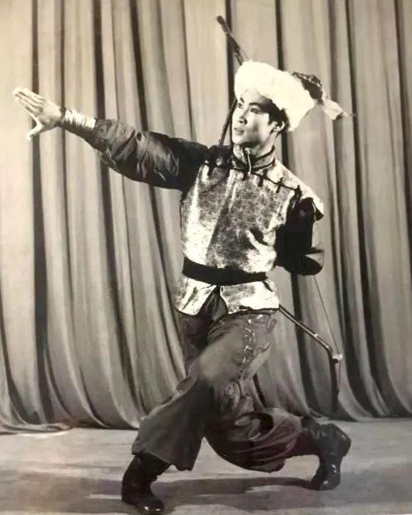 内蒙古舞蹈名家系列之——查干朝鲁 第15张 内蒙古舞蹈名家系列之——查干朝鲁 蒙古文化