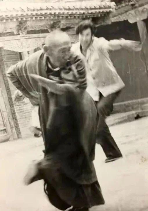 内蒙古舞蹈名家系列之——查干朝鲁 第34张 内蒙古舞蹈名家系列之——查干朝鲁 蒙古文化