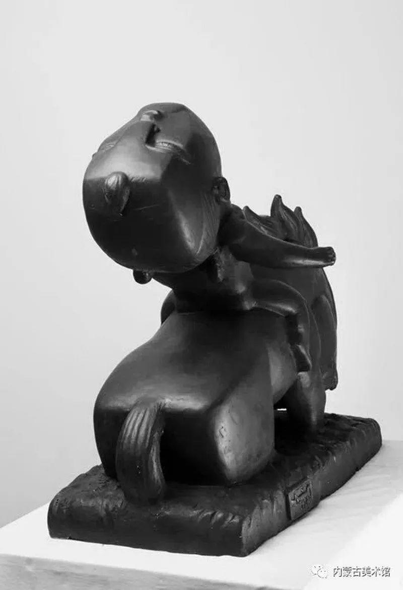 情缘草原 相由心生 ——萨其日拉图雕塑作品展在内蒙古美术馆举办 第34张 情缘草原 相由心生 ——萨其日拉图雕塑作品展在内蒙古美术馆举办 蒙古画廊