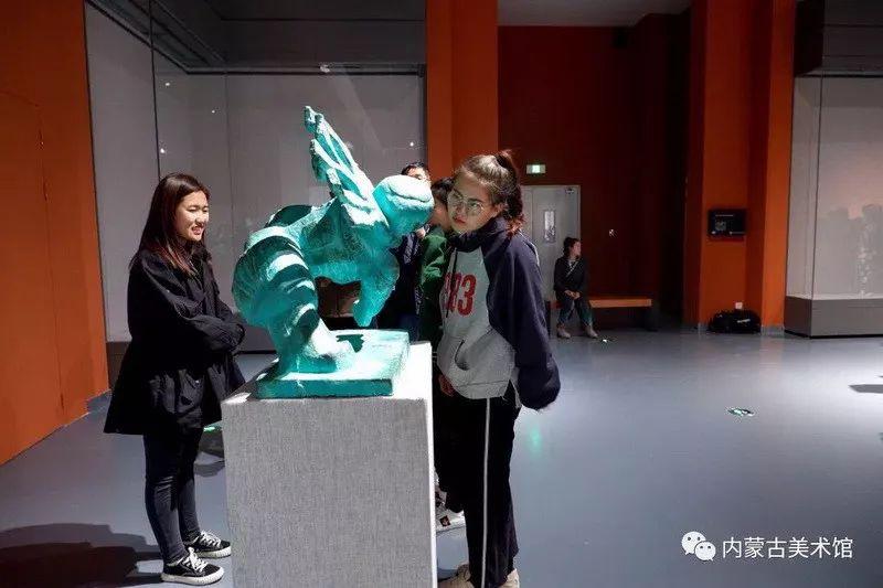 情缘草原 相由心生 ——萨其日拉图雕塑作品展在内蒙古美术馆举办 第37张 情缘草原 相由心生 ——萨其日拉图雕塑作品展在内蒙古美术馆举办 蒙古画廊