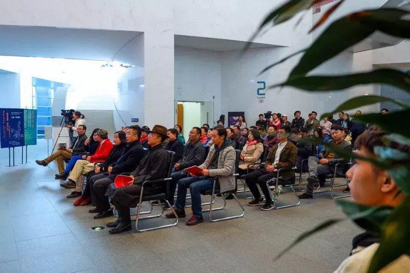 情缘草原 相由心生 ——萨其日拉图雕塑作品展在内蒙古美术馆举办 第35张 情缘草原 相由心生 ——萨其日拉图雕塑作品展在内蒙古美术馆举办 蒙古画廊