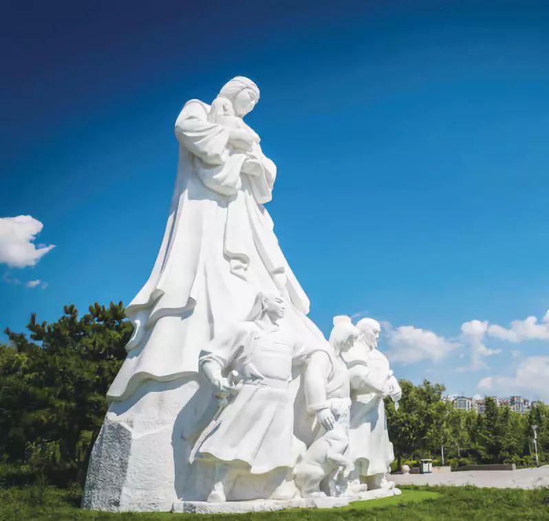 个性!蒙元主题雕塑,彰显呼和浩特别具一格之美 第6张 个性!蒙元主题雕塑,彰显呼和浩特别具一格之美 蒙古画廊