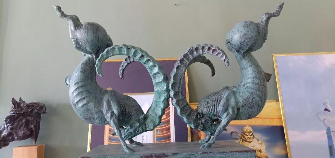 【头条】蒙古族小伙用雕塑艺术创作出个性作品 第6张 【头条】蒙古族小伙用雕塑艺术创作出个性作品 蒙古画廊