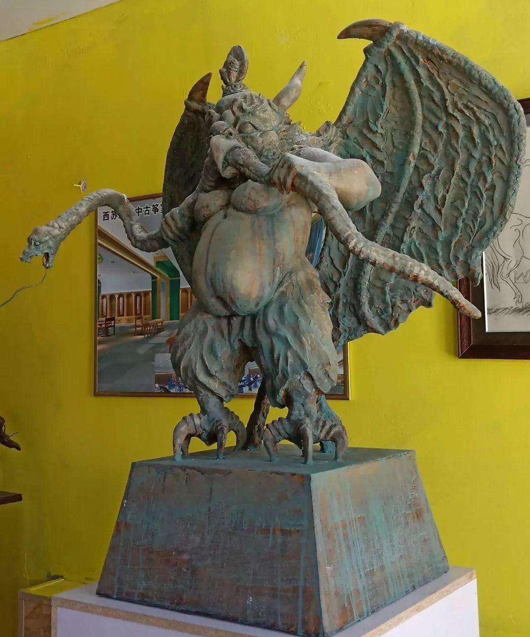 【头条】蒙古族小伙用雕塑艺术创作出个性作品 第15张 【头条】蒙古族小伙用雕塑艺术创作出个性作品 蒙古画廊