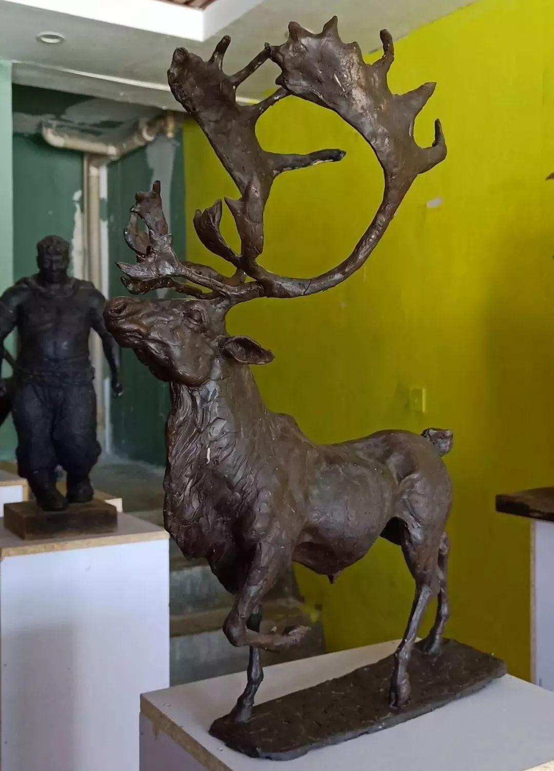 【头条】蒙古族小伙用雕塑艺术创作出个性作品 第14张 【头条】蒙古族小伙用雕塑艺术创作出个性作品 蒙古画廊