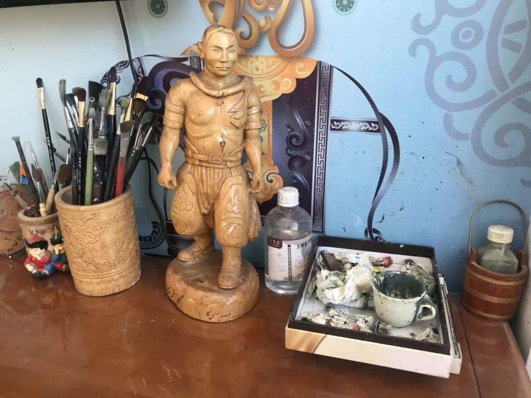 超赞!这位牧民画画雕塑样样通【蒙古文】 第20张 超赞!这位牧民画画雕塑样样通【蒙古文】 蒙古画廊