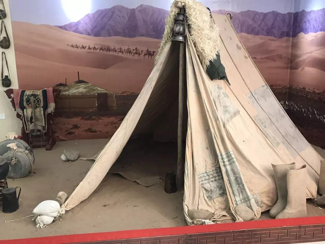 乌兰牧骑这些老物件 撑起了几代人的回忆?︱蒙古家乡 第6张