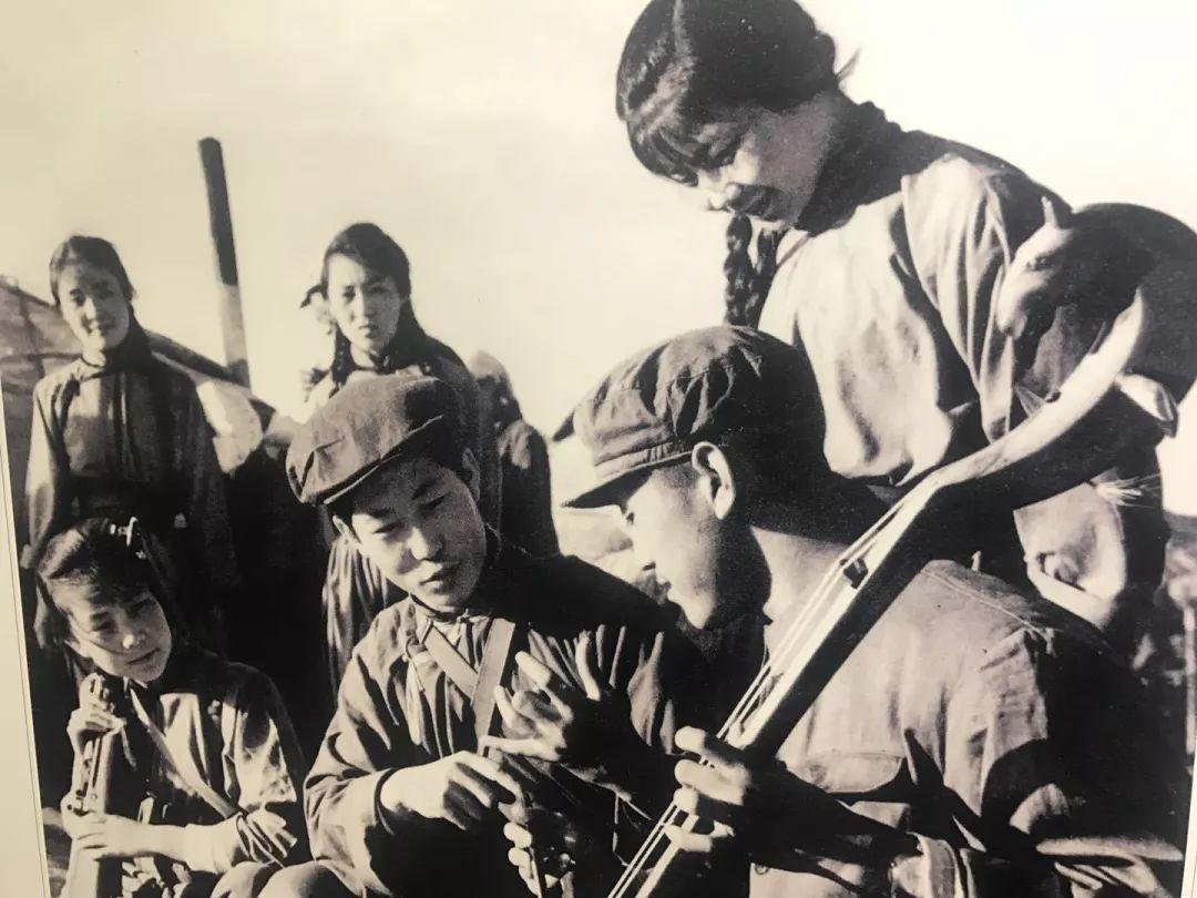 乌兰牧骑这些老物件 撑起了几代人的回忆?︱蒙古家乡 第44张