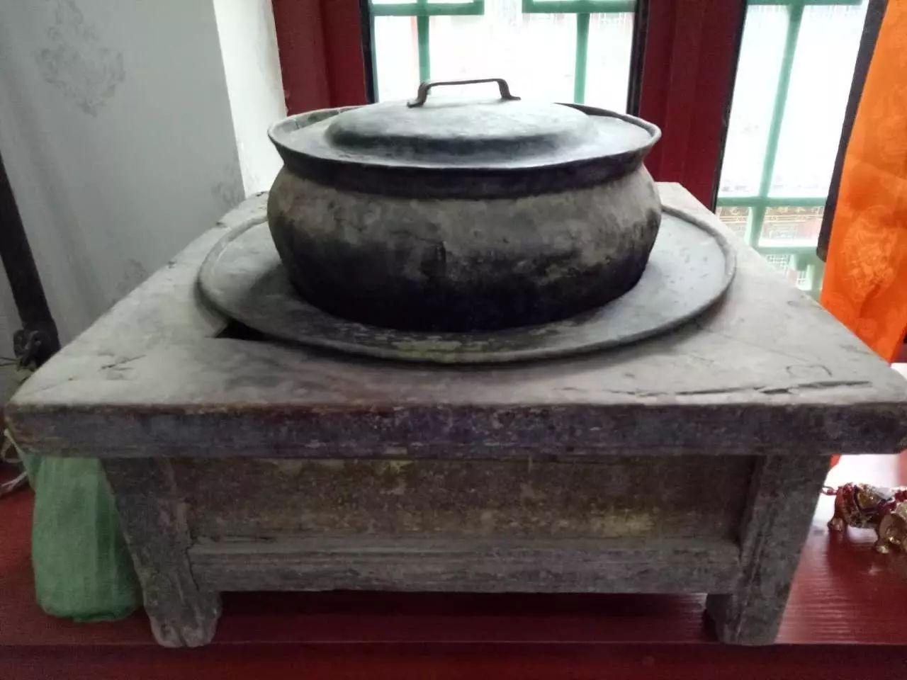 蒙古族青年宝尔金创办民俗文化展厅,看看都收藏了哪些物件? 第10张 蒙古族青年宝尔金创办民俗文化展厅,看看都收藏了哪些物件? 蒙古工艺
