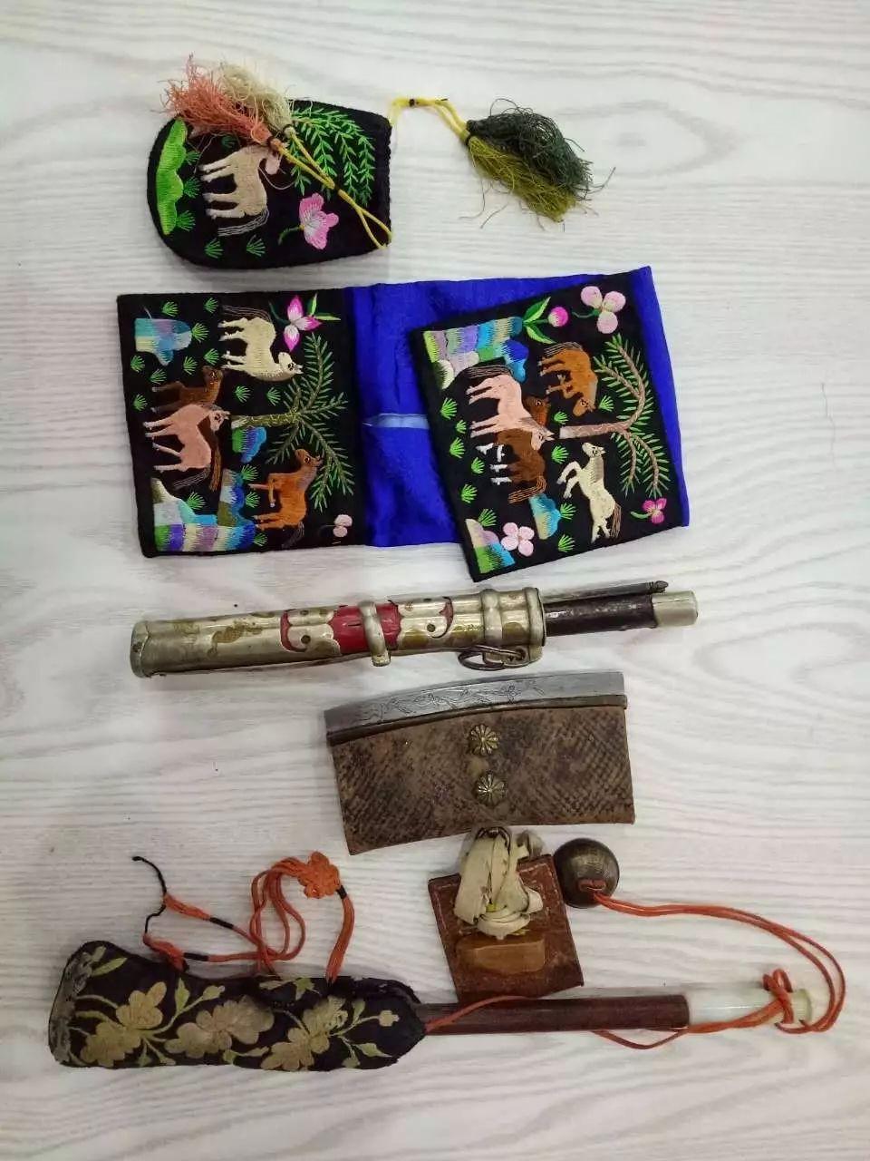 蒙古族青年宝尔金创办民俗文化展厅,看看都收藏了哪些物件? 第18张 蒙古族青年宝尔金创办民俗文化展厅,看看都收藏了哪些物件? 蒙古工艺