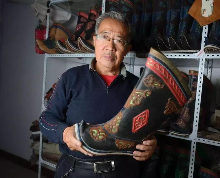 非遗丨蒙古族皮靴制作:传不下去的手艺 第1张 非遗丨蒙古族皮靴制作:传不下去的手艺 蒙古工艺