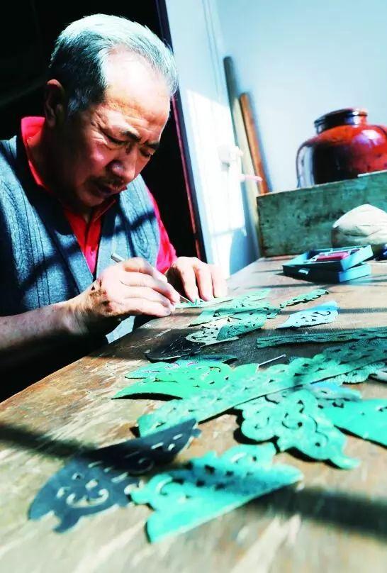 非遗丨蒙古族皮靴制作:传不下去的手艺 第6张 非遗丨蒙古族皮靴制作:传不下去的手艺 蒙古工艺