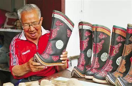 非遗丨蒙古族皮靴制作:传不下去的手艺 第3张 非遗丨蒙古族皮靴制作:传不下去的手艺 蒙古工艺