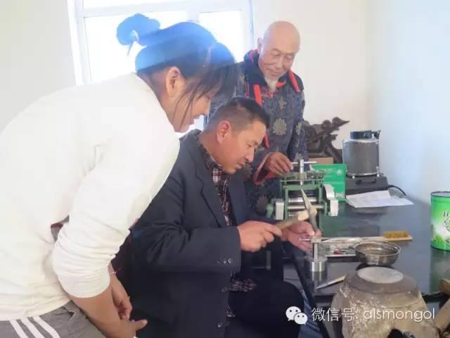 【蒙古文】老银匠贡布苏荣的祖传手艺 第6张