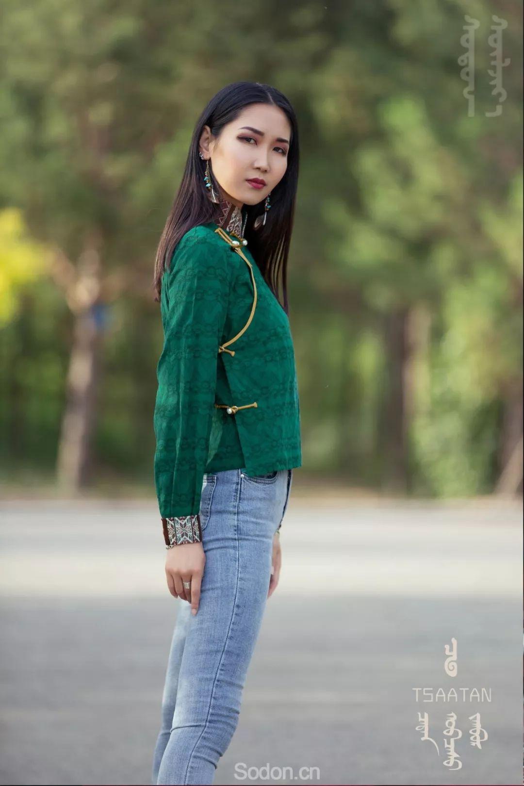 TSAATAN蒙古时装 2019新款,来自驯鹿人的独特魅力! 第100张 TSAATAN蒙古时装 2019新款,来自驯鹿人的独特魅力! 蒙古服饰