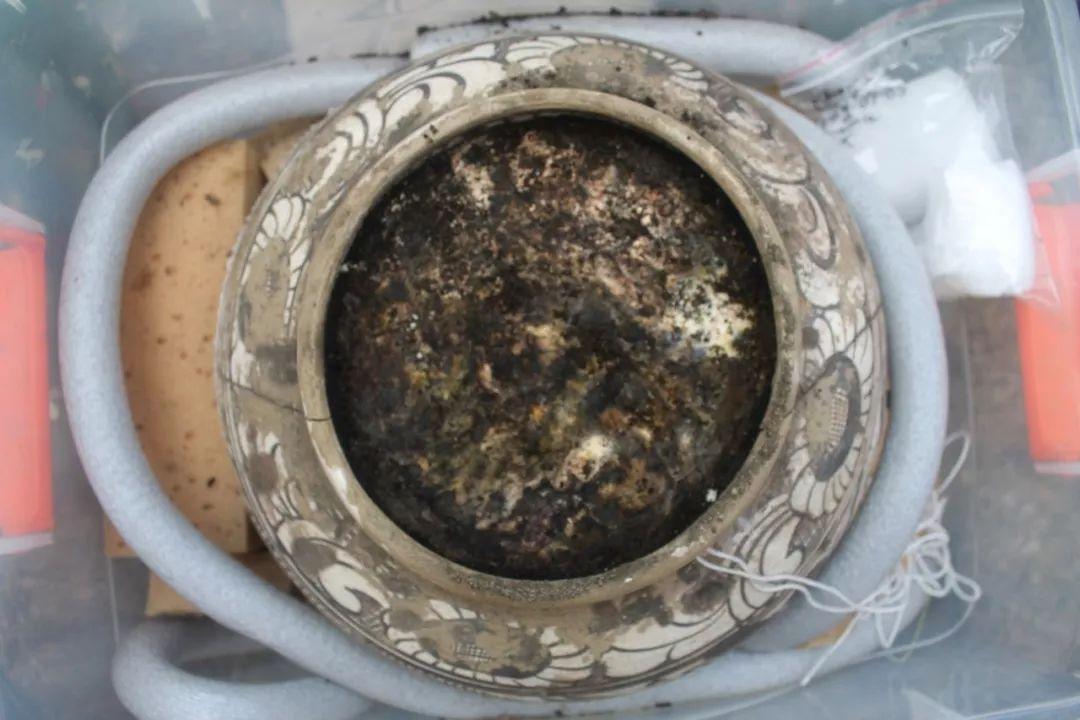 蒙古出土了八百年前罐藏的奶皮和酥油,堪称世界考古新发现 第13张
