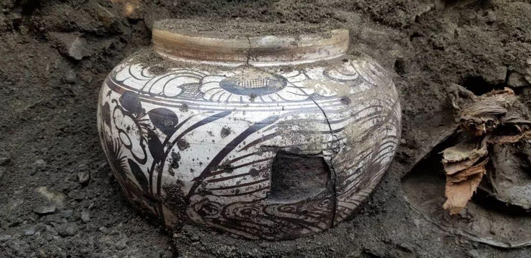 蒙古出土了八百年前罐藏的奶皮和酥油,堪称世界考古新发现 第25张