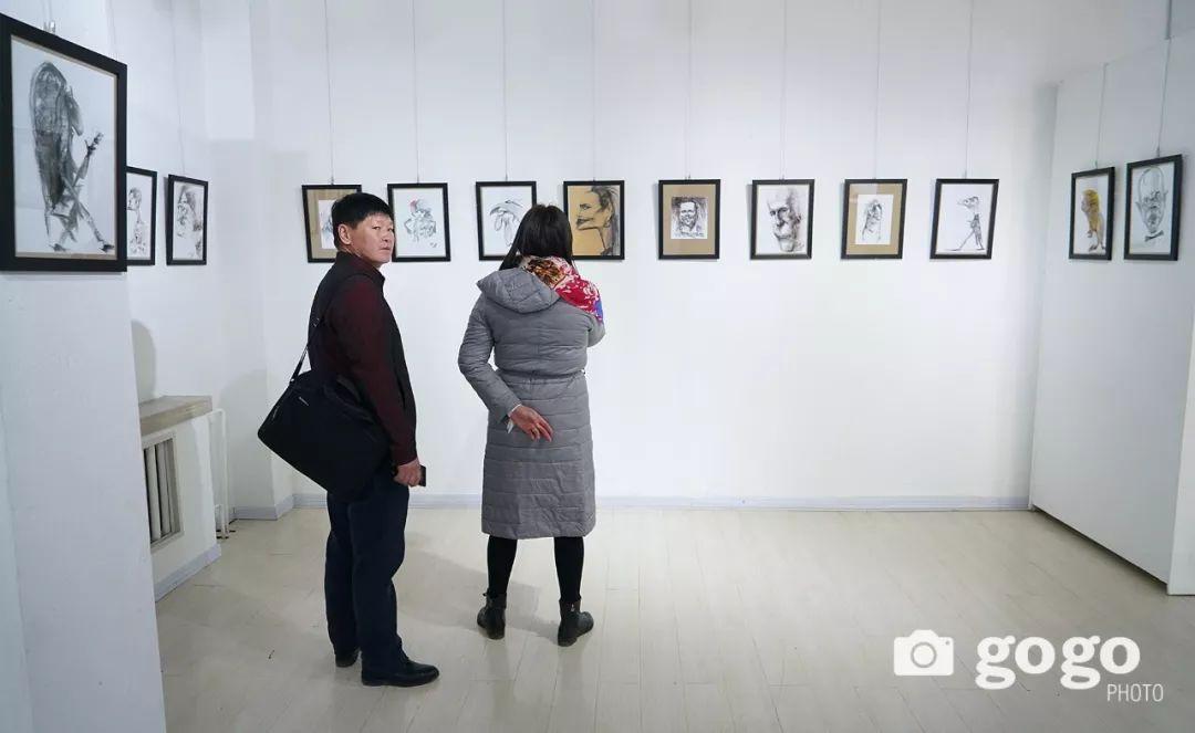 画家N·敖日格勒的这组蒙古名人画像很奇特(图片) 第38张 画家N·敖日格勒的这组蒙古名人画像很奇特(图片) 蒙古画廊