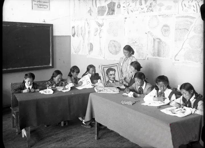 50年代蒙古国人民的文化生活老照片,他们的生活原来是这样的 第5张 50年代蒙古国人民的文化生活老照片,他们的生活原来是这样的 蒙古文化