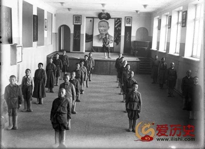 50年代蒙古国人民的文化生活老照片,他们的生活原来是这样的 第6张 50年代蒙古国人民的文化生活老照片,他们的生活原来是这样的 蒙古文化