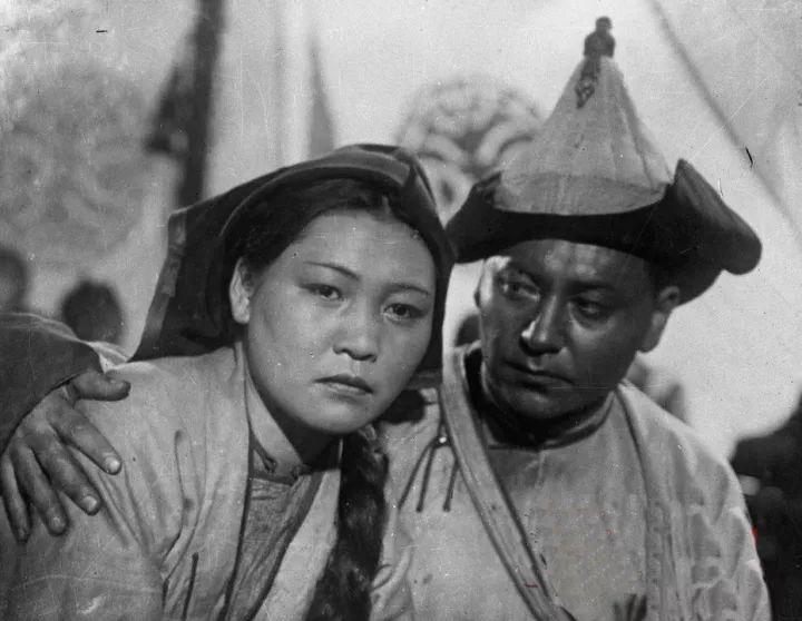 50年代蒙古国人民的文化生活老照片,他们的生活原来是这样的 第9张 50年代蒙古国人民的文化生活老照片,他们的生活原来是这样的 蒙古文化