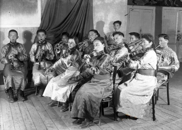 50年代蒙古国人民的文化生活老照片,他们的生活原来是这样的 第13张 50年代蒙古国人民的文化生活老照片,他们的生活原来是这样的 蒙古文化