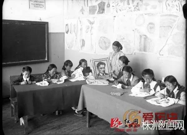 50年代蒙古国人民的文化生活老照片,他们的生活原来是这样的 第19张 50年代蒙古国人民的文化生活老照片,他们的生活原来是这样的 蒙古文化