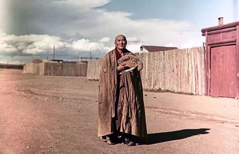 上世纪五十年代的蒙古街头,如今看来满满复古风! 第2张 上世纪五十年代的蒙古街头,如今看来满满复古风! 蒙古文库