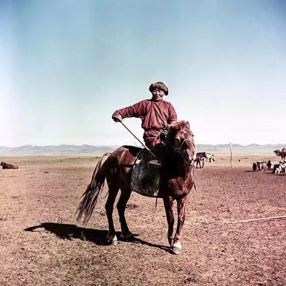上世纪五十年代的蒙古街头,如今看来满满复古风! 第3张 上世纪五十年代的蒙古街头,如今看来满满复古风! 蒙古文库