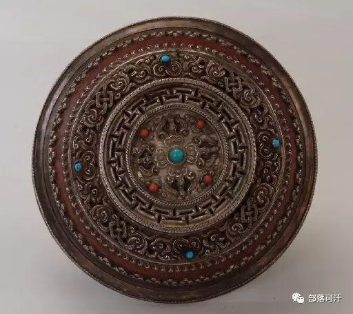 蒙古族文物展示之银器