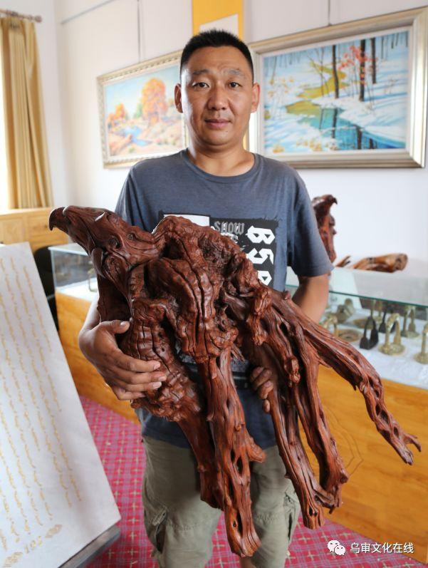【人物】牧民雕刻能手敖日格勒~~~(蒙古文) 第4张 【人物】牧民雕刻能手敖日格勒~~~(蒙古文) 蒙古工艺