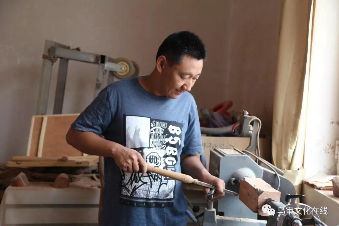 【人物】牧民雕刻能手敖日格勒~~~(蒙古文) 第24张 【人物】牧民雕刻能手敖日格勒~~~(蒙古文) 蒙古工艺