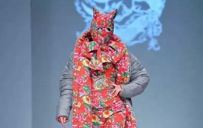 【时尚先锋】惊艳戛纳的花袄出自他手  蒙古族设计师胡社光 第3张