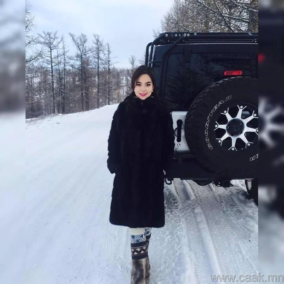 【蒙古佳丽】太漂亮了 蒙古美女们的新年自拍集... 第11张 【蒙古佳丽】太漂亮了 蒙古美女们的新年自拍集... 蒙古文化