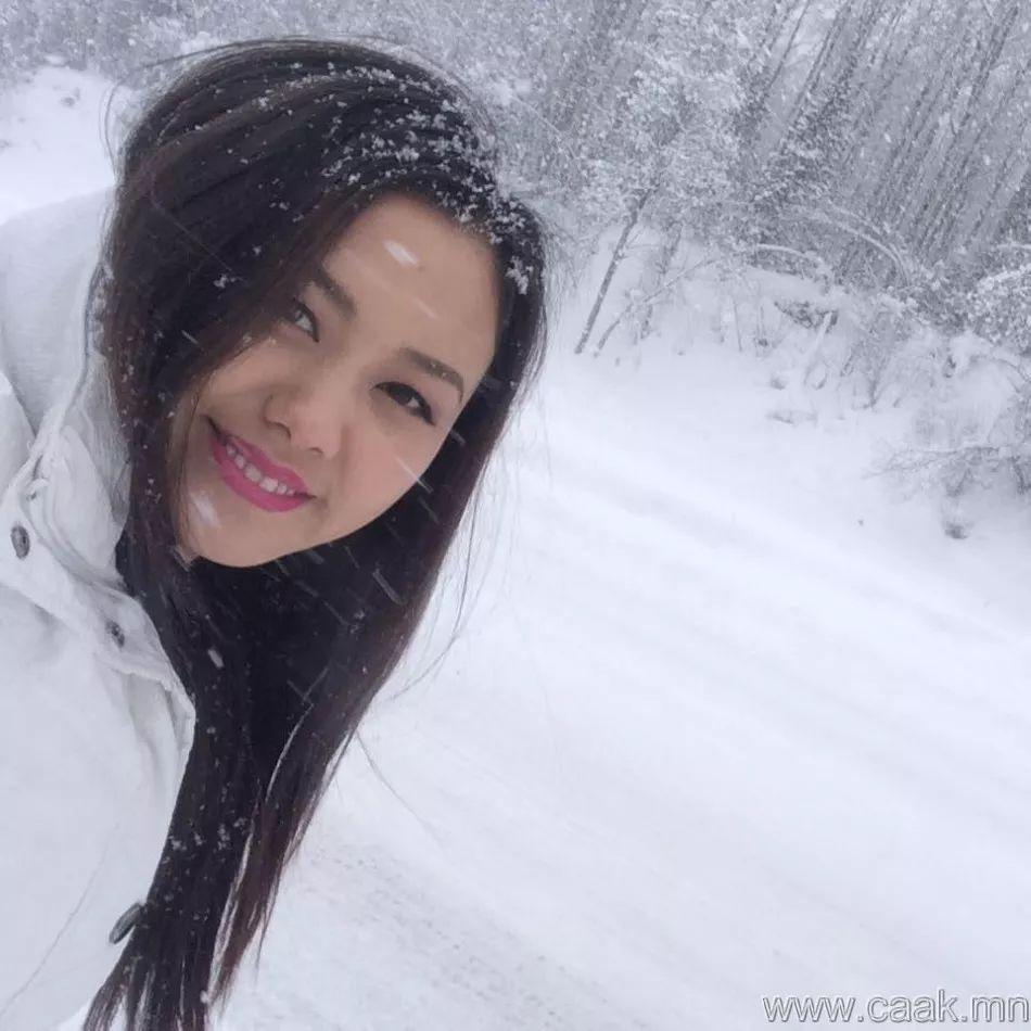 【蒙古佳丽】太漂亮了 蒙古美女们的新年自拍集... 第12张 【蒙古佳丽】太漂亮了 蒙古美女们的新年自拍集... 蒙古文化