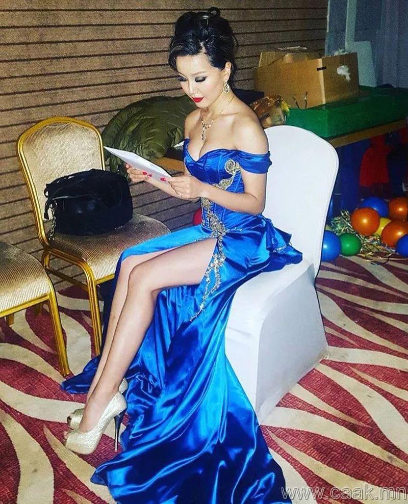 【蒙古佳丽】太漂亮了 蒙古美女们的新年自拍集... 第15张 【蒙古佳丽】太漂亮了 蒙古美女们的新年自拍集... 蒙古文化