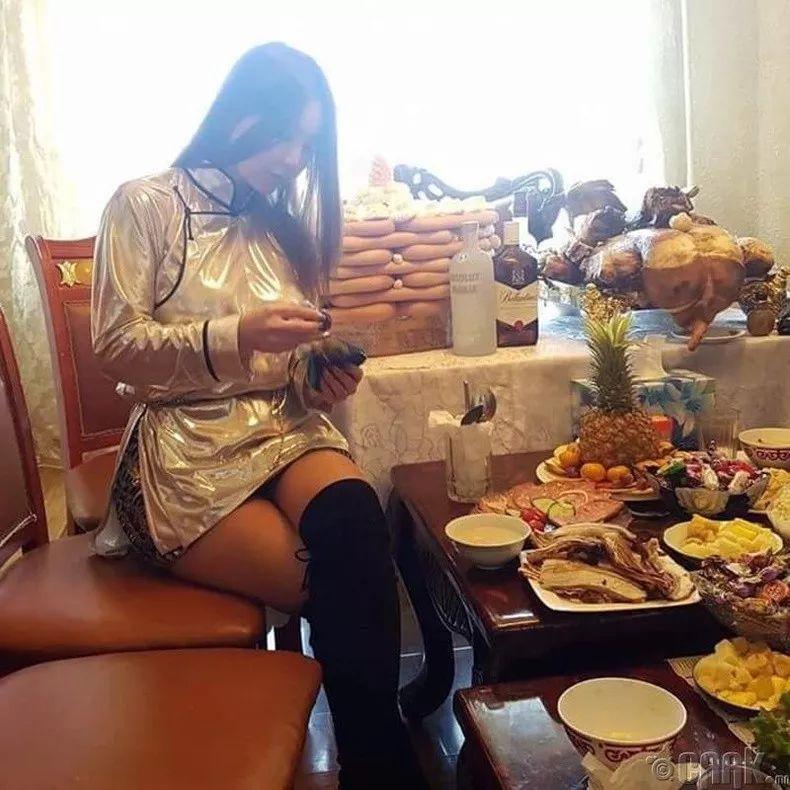 【蒙古佳丽】太漂亮了 蒙古美女们的新年自拍集... 第24张 【蒙古佳丽】太漂亮了 蒙古美女们的新年自拍集... 蒙古文化